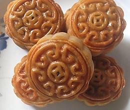 莲蓉/豆沙蛋黄月饼(附莲蓉做法)的做法