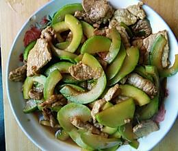角瓜炒肉的做法