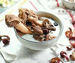 以形补形/羊腿骨红菇汤的做法