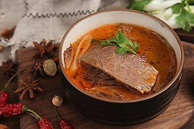 酸辣过瘾的酸牛肉,再热也不能错过的民间小吃