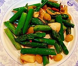 芦笋百合炒白果的做法