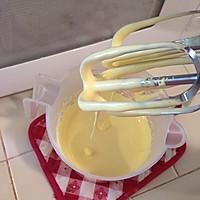 戚风杯子蛋糕的做法图解2