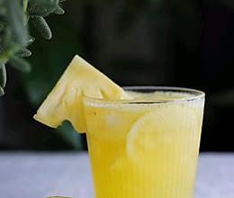 不加气泡水的菠萝香柠气泡果汁#厨房有维达洁净超省心#的做法