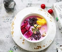 秒杀甜品店的紫米水果捞的做法