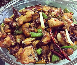 青椒干煸鸡块的做法
