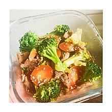牛肉小炒西兰花和胡萝卜