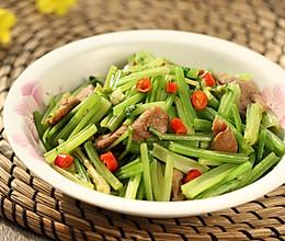 芹菜炒鸭脯肉的做法