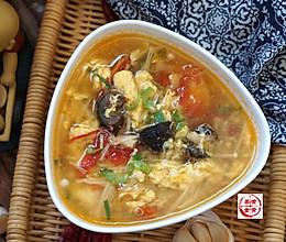 海参西红柿针菇汤的做法