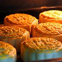 经典蛋黄莲蓉月饼#长帝烘焙节#的做法图解7