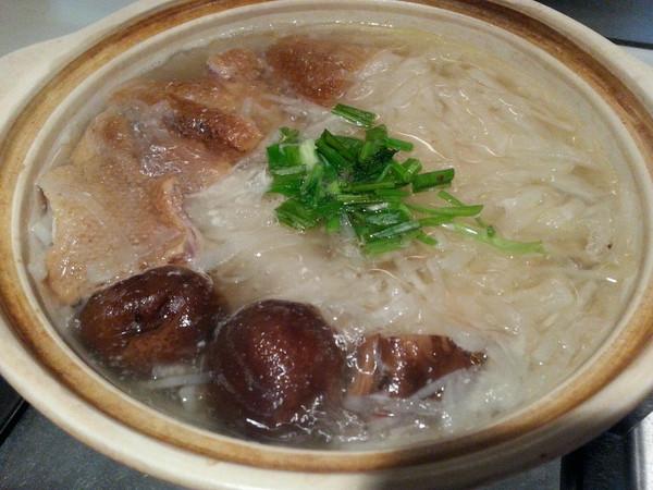 罗卜鸭肉汤的做法