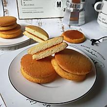 焦糖酱夹心蛋糕