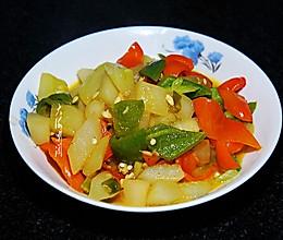 #橄榄中国味 感恩添美味# 老黄瓜炒青椒的做法