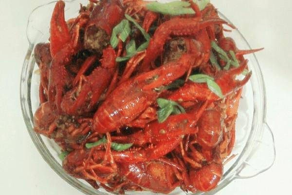 红爆夏夜:麻辣小龙虾的做法