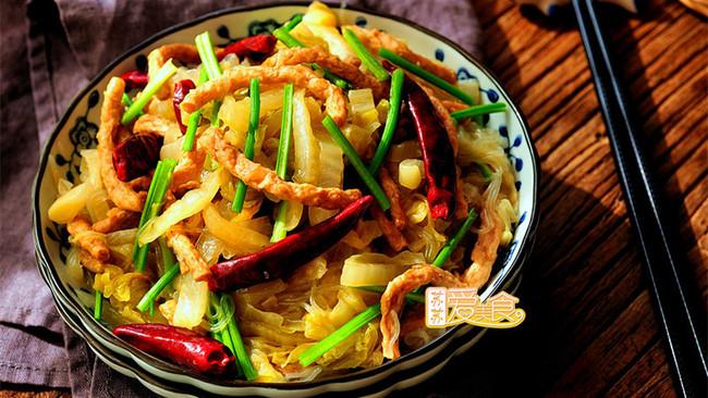 鲜辣爽口的快手下饭菜——酸菜粉儿的做法