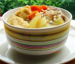 夏天清热解暑,西瓜皮骨头汤的做法