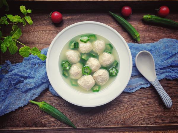 低脂健康的鸡肉丸汤的做法