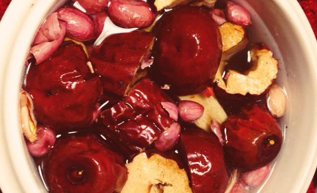 丰胸药膳-红枣黄芪小米粥