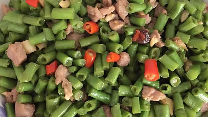 豆角粒炒肉