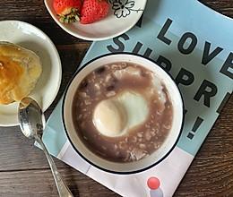快手营养早餐:红豆麦片鸡蛋粥的做法