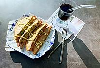 #福气年夜菜#热压牛油果鸡蛋奶酪三明治的做法