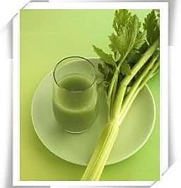 西芹苹果胡萝卜减肥排毒汁