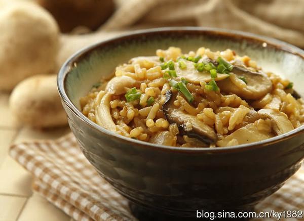 菌菇焖饭的做法