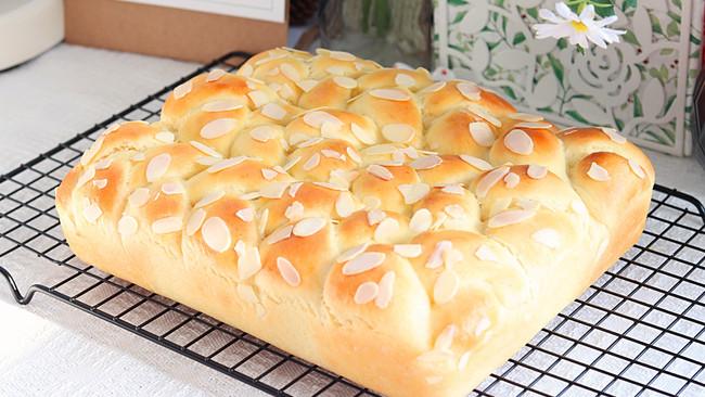 杏仁奶酪排包   简单易做,软绵醇香的做法