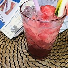 西瓜草莓气泡水#豆果VLOG美食挑战赛#