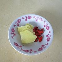 海参小米粥的做法图解2