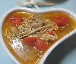 金针番茄肥牛汤的做法