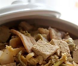 酸菜白肉豆腐煲的做法