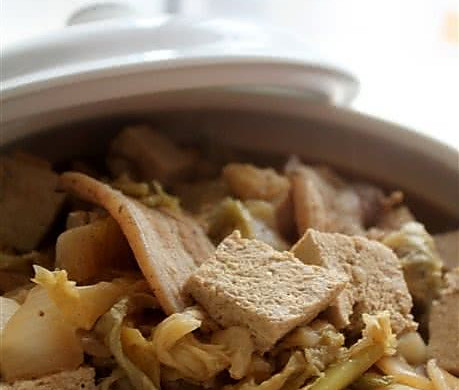 酸菜白肉豆腐煲