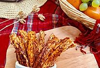 #带着零食去旅行!#自制超级美味辣条的做法