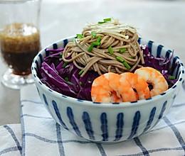 健康减肥-凉拌荞麦面沙拉配芝麻沙拉酱的做法