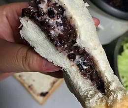紫米奶酪面包紫米沙拉酱面包的做法