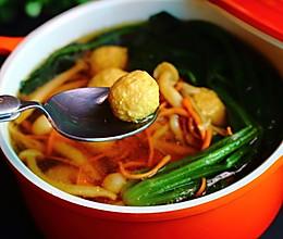 蔬菜菌菇丸子汤的做法