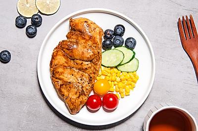 水煎鸡胸肉,酱香好味又低脂的减脂餐