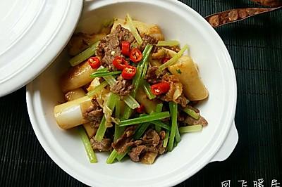 牛肉芹菜炒肠粉
