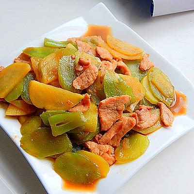 莴笋土豆烧肉片