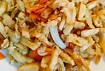 白菜帮子素炒饼的做法