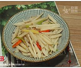 炝炒藕丝:家常田园小炒的做法