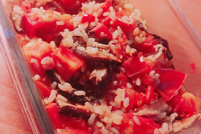 西红柿香菇糙米饭(微波炉版)