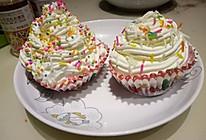 红丝绒杯子蛋糕的做法