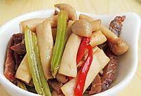 芹菜腊肉炒蘑菇的做法