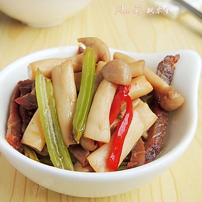 芹菜腊肉炒蘑菇