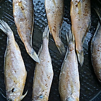 干煎小黄鱼的做法图解3