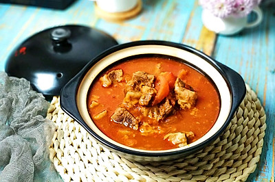 砂锅浓汤番茄炖牛腩