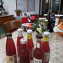 纯手工自己酿制的红葡萄酒