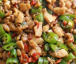 低脂美味的青椒鸡胸肉,色香味俱全!的做法