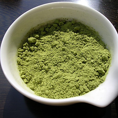 如何鉴别添加色素的抹茶粉